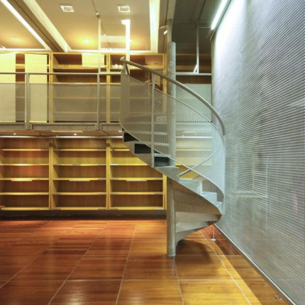 IESEG Grande Arche, bibliothèque